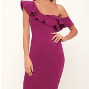 NEW Lulu's Dress in magenta-size Large
